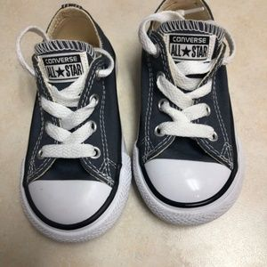 TODDLER SIZE 6 CONVERSE ALL STARS